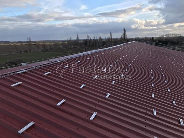 Railless Pitched Metal Roof Solar Mounting System